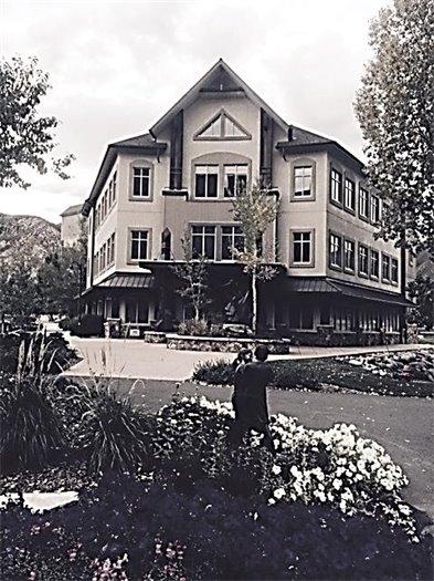 Mountain Vista Office Building