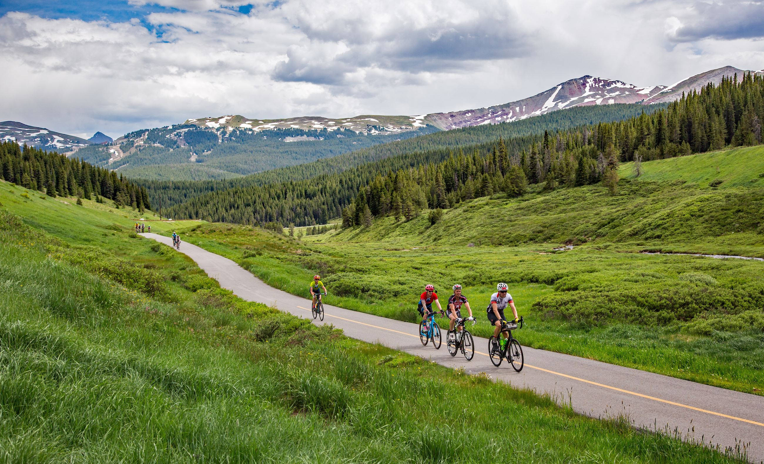 --riding-up-vail-pass-from-copper-mountain---colorado_48295659286_o